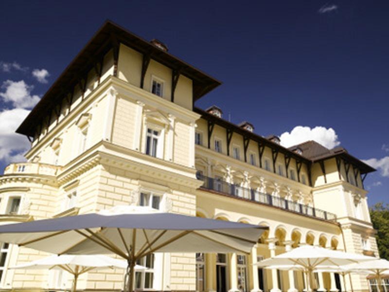 01. Exteriér Hotel Falkensteiner